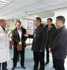 三台县中医院院长卢文华一行到绵阳市中医医院参观考察