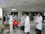 院领导除夕慰问值守一线医务人员和住院病员